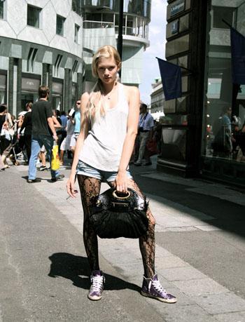 前へ 次へ 出典  【フジロックフェスティバル】夏フェスのガールズファッション集【FUJI...
