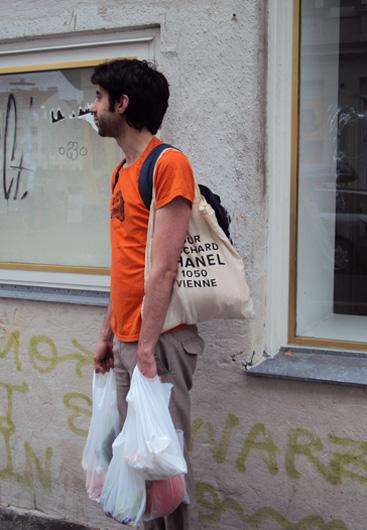 streetfashion-karmelitermarkt-12-sept2009simseite